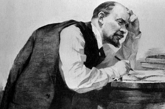 Ленин написал в своем сочинении, что капиталисты, как и помещики, хотят, чтобы правоохранительные органы оставались такими же, как и во времена монархии / Фото: factroom.ru