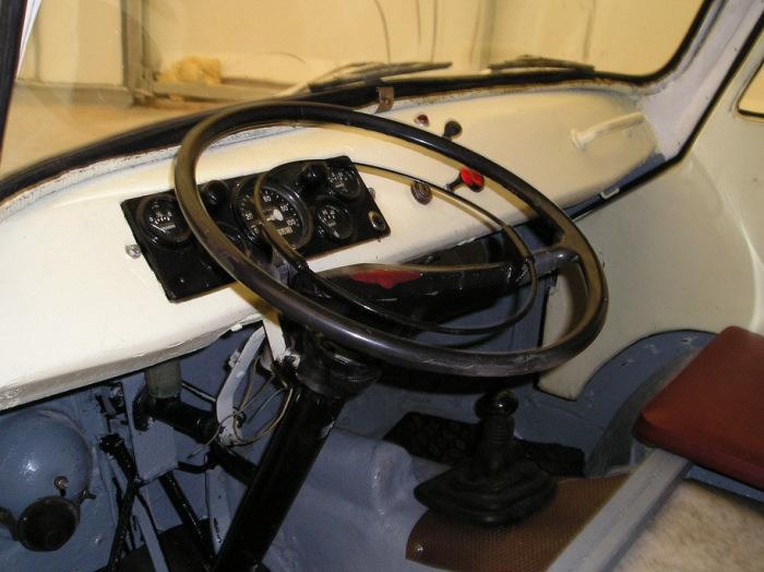 Кабина ЭТ-600 была сделана из стеклопластика, что значительно удешевляло стоимость авто / Фото: drive2.ru