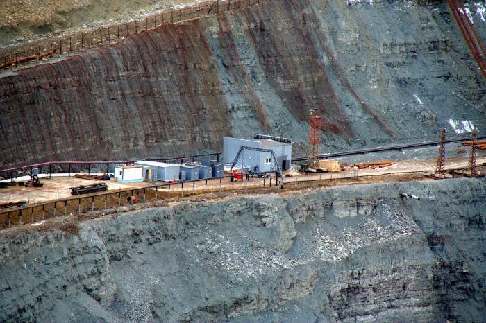 Добыча алмазов не производится уже несколько лет / Фото: howmade.ru