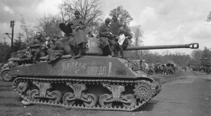 В Советский Союз американские танки Шерман поступали в небольшом количестве / Фото: theshermantank.com