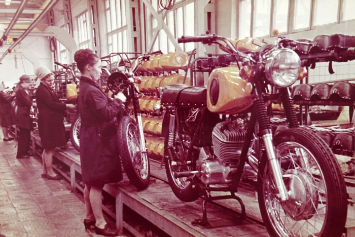 В отличие от СССР, в России сегодня отсутствует серийное производство мотоциклов по нескольким причинам / Фото: ursa-tm.ru