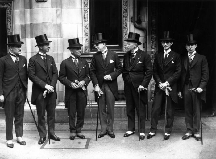 Мужские шляпы постепенно теряли свою популярность / Фото: znaj.ua