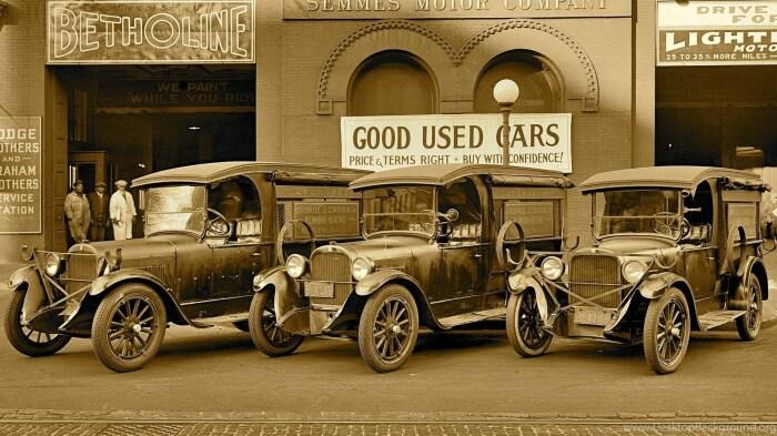 Закрытые и низкие модели автомобилей, пришедшие на смену каретам, снизили необходимость в шляпе / Фото: desktopbackground.org