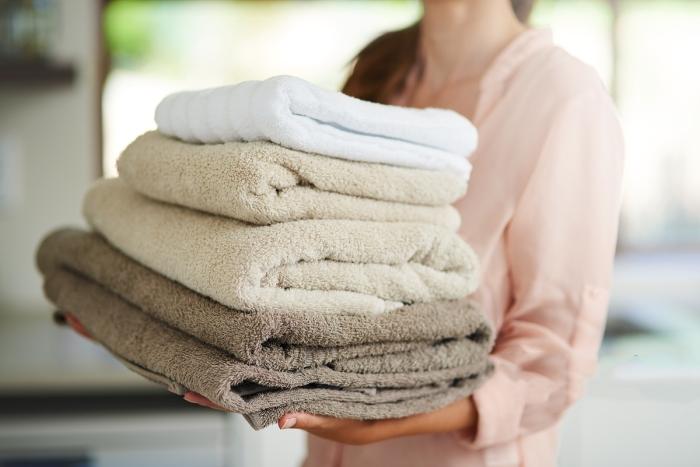 Замачивание в соляном растворе проблему полностью решает и полотенца снова приобретают мягкость / Фото: indonesian.alibaba.com