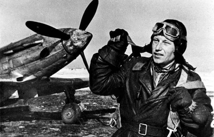 Бесстрашный летчик Покрышкин за время Великой Отечественной Войны трижды становился Героем / Фото: tass.ru