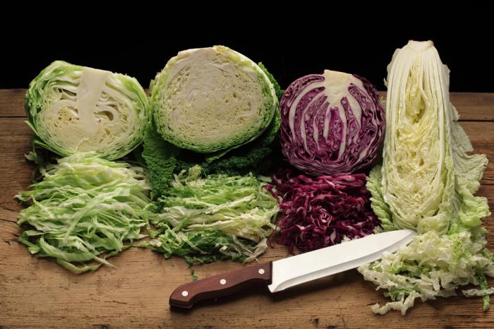 Тонко нарезанная капуста подойдет для любого блюда / Фото: oryol.sm-news.ru