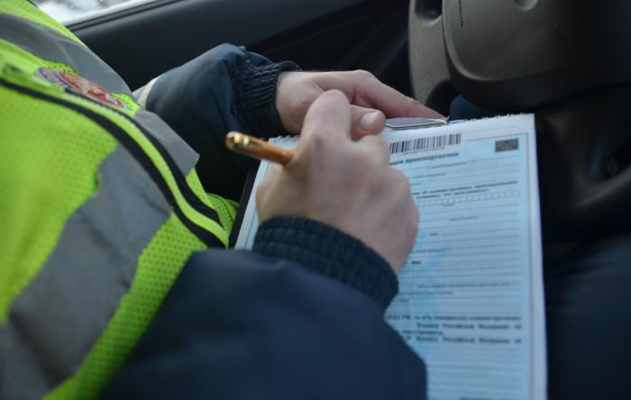 За непристегнутого пассажира водителю грозит штраф 1000 рублей / Фото: Twitter