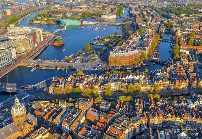 Нидерланды научились получать выгоду практически со всего, и это дало колоссальный результат / Фото: imgur.com