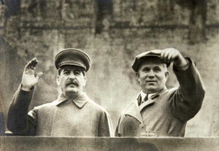 Времена правления И. В. Сталина и Н. С. Хрущева кардинально отличались друг от друга / Фото: velarix.net