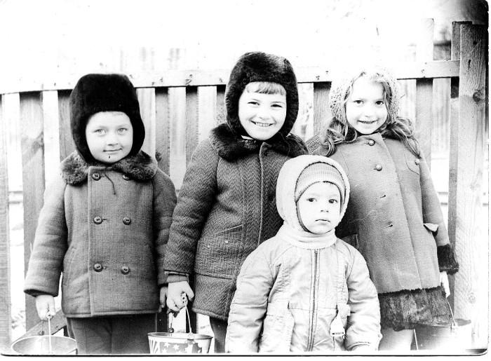 Зимняя одежда советских детей не отличалась разнообразием / Фото: av-seliverstov.livejournal.com
