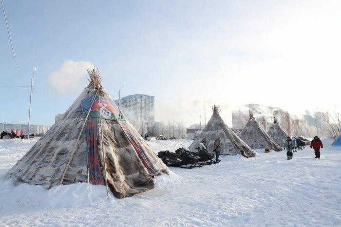 Зимой оленеводы стараются далеко от города не уходить, у многих из них есть собственные квартиры / Фото: amarok-man.livejournal.com
