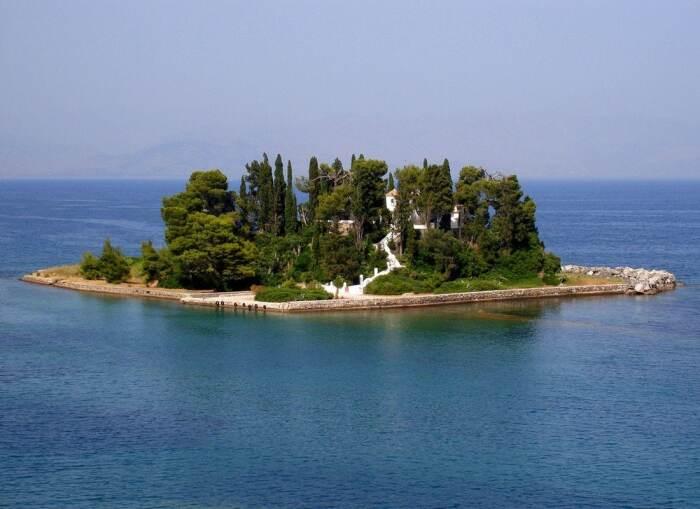 Понтикониси имеет и второе название – «Мышиный остров» / Фото: top10a.ru