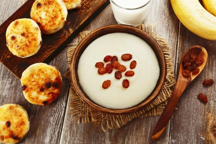Для русского человека нормальный, полноценный завтрак – это запеканка, сырники, каши / Фото: dietamigom.ru