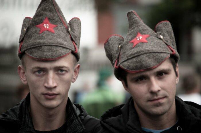 Сегодня этот головной убор стал достаточно востребованным сувениром, его охотно покупают иностранные граждане / Фото: Twitter