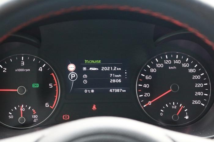 Отметка красного цвета на 130 км/ч присутствует не на всех спидометрах / Фото: drive2.ru