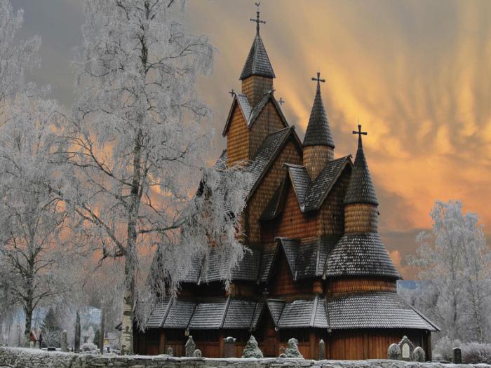 Возникает вопрос, как отапливались храмы в старину, если нигде не видно дымоходов / Фото: look.com.ua