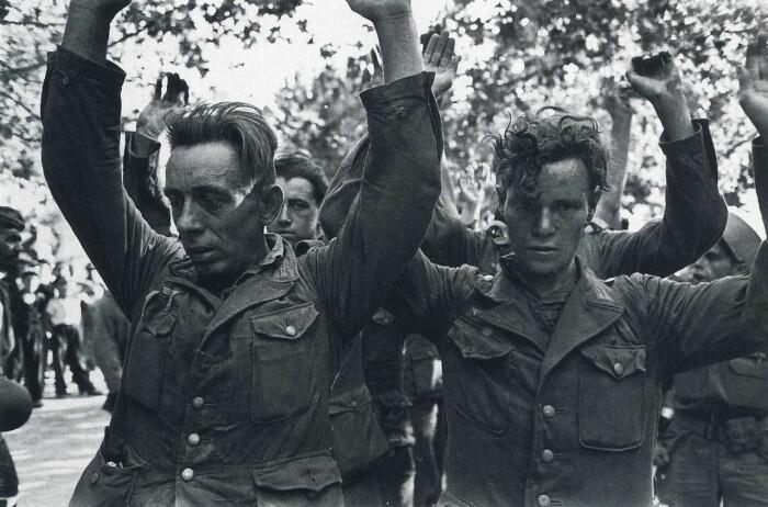 В документах историков указывается колоссальная цифра – полмиллиона погибших и пропавших без вести немецких военных / Фото: fishki.net