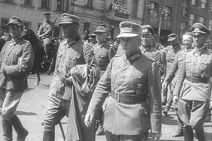 Среди военнопленных были не только немцы, но и французы / Фото: Twitter