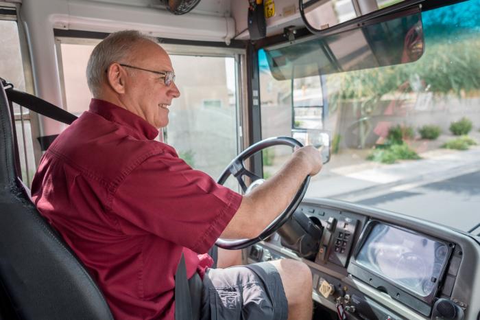 Водители для перевозки детей проходят серьезную проверку / Фото: azednews.com