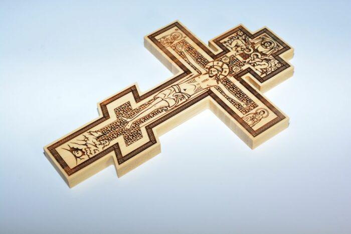 Восьмиконечный крест с перекладиной возник в шестом столетии с легкой руки византийцев / Фото: madeheart.com