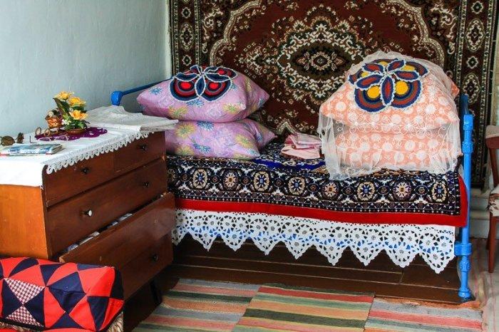 Традиция с демонстрацией подушек постепенно теряет свою актуальность / Фото: m.fishki.net