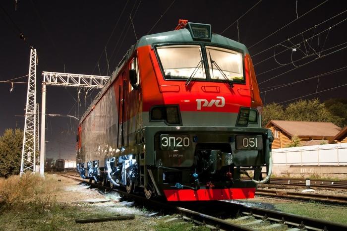 Все мотор-вагонные подвижные составы, например, та же электричка, являются тяговыми, а значит, одновременно с тем и поездами / Фото: sdelano-u-nas.livejournal.com