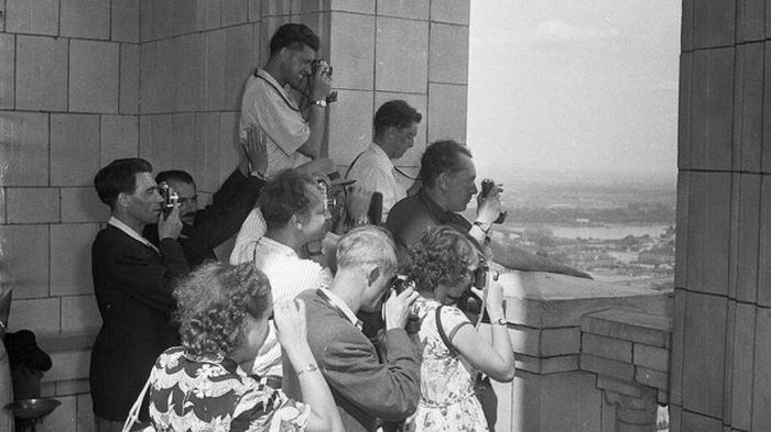Граждане СССР было запрещено пользоваться услугами персонального гида / Фото: nastroy.net