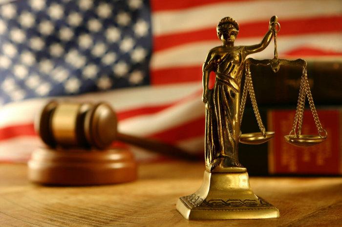 Адвокат всегда поможет в сложной ситуации / Фото: yandex.ru