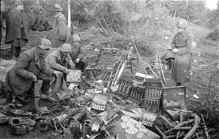 Для получения пороха советские солдаты использовали трофейные боеприпасы / Фото: fishki.net