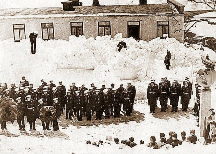 Население поселка составляло около двух тысяч, это были военные и их семьи / Фото: pastvu.com