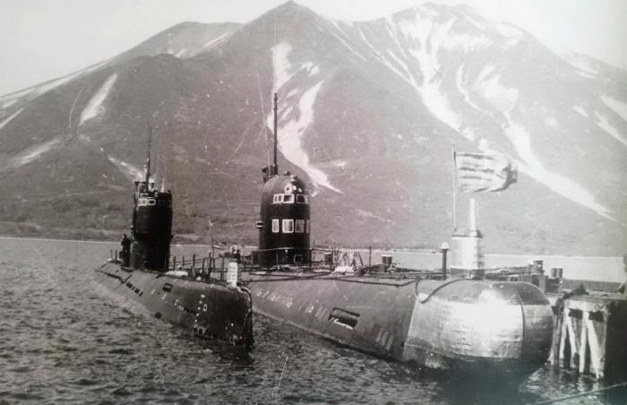 За несколько лет количество подводных лодок в бухте существенно увеличилось / Фото: lot1959.livejournal.com