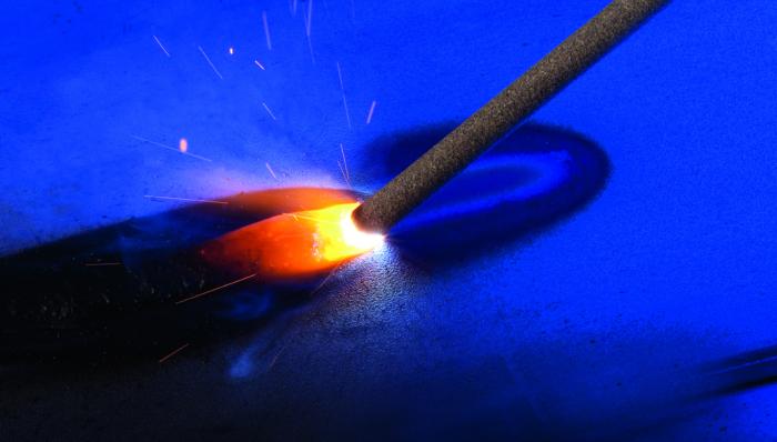 Важно правильно сделать первый сантиметр шва, чтобы в дальнейшем избежать многих проблем / Фото: saf-fro.com