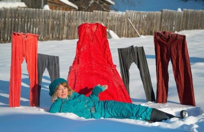 Полоскание белья в подсоленной воде предотвратит его замерзание / Фото: legkovmeste.ru