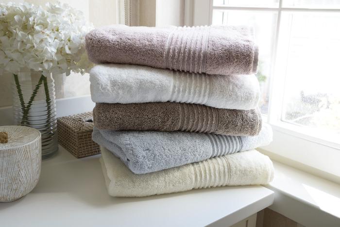 Махровые полотенца и халаты будут мягкими / Фото: ub.ua