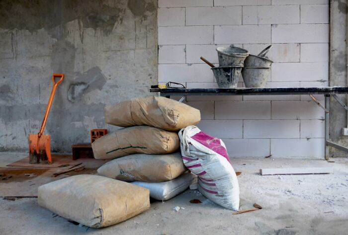 Купить качественный цемент или готовый к применению клей 25 лет назад было непросто / Фото: rai-enterprise.ueniweb.com