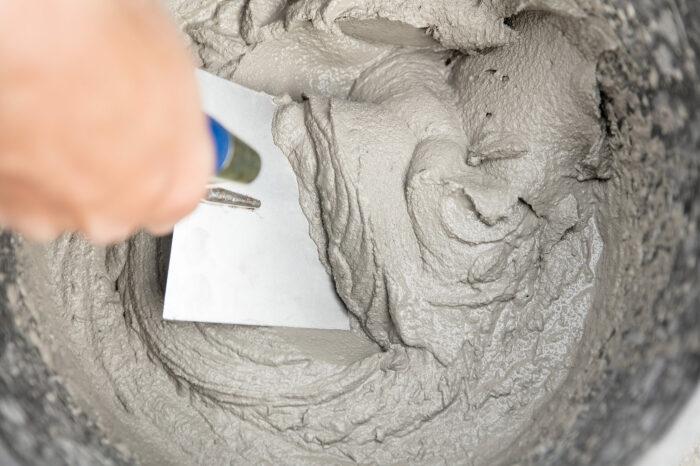 Цементный раствор с клеем ПВА давно используется и показал свою долговечность / Фото: akson-quick.ru