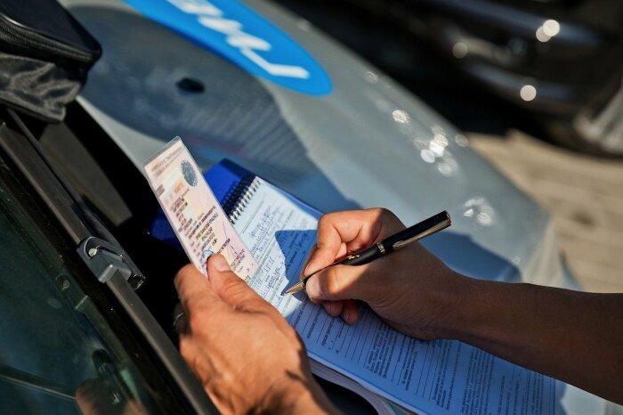 Если инспектор не уверен в своей правоте, то не станет портить бланк строгой отчетности / Фото: carsweek.ru