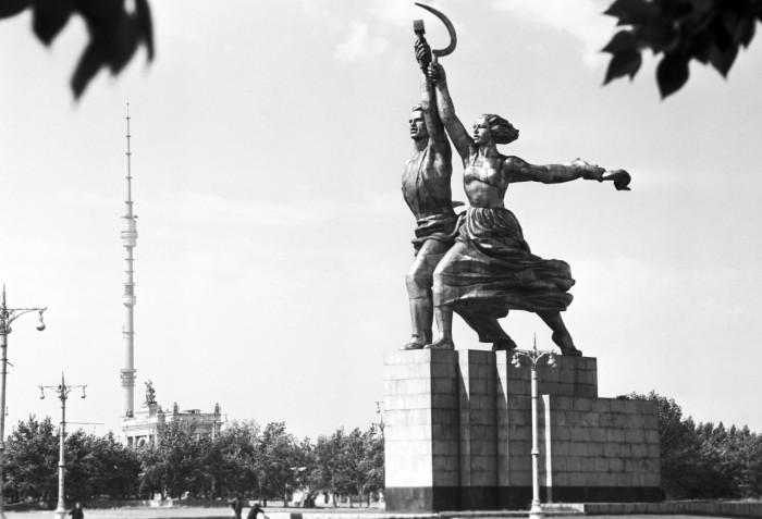 Автором уникальной скульптуры стал архитектор Борис Иофан / Фото: zhenskij.mirtesen.ru