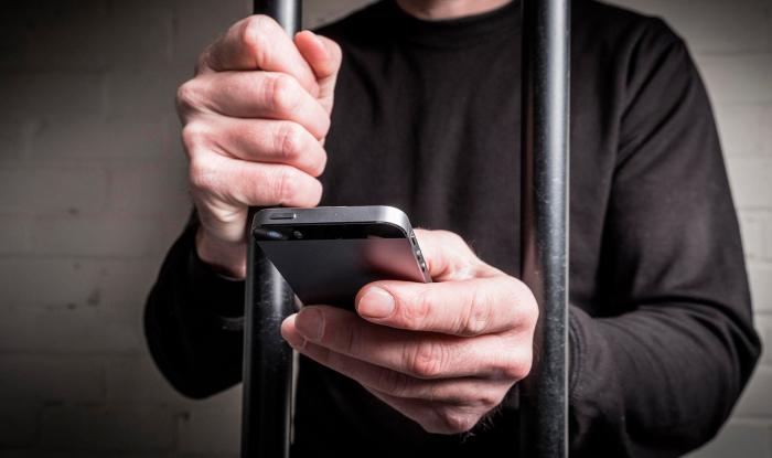 Если вы разговариваете со злоумышленником, то испугавшись разоблачения, он себя сразу выдаст или прервет разговор / Фото: 31tv.ru