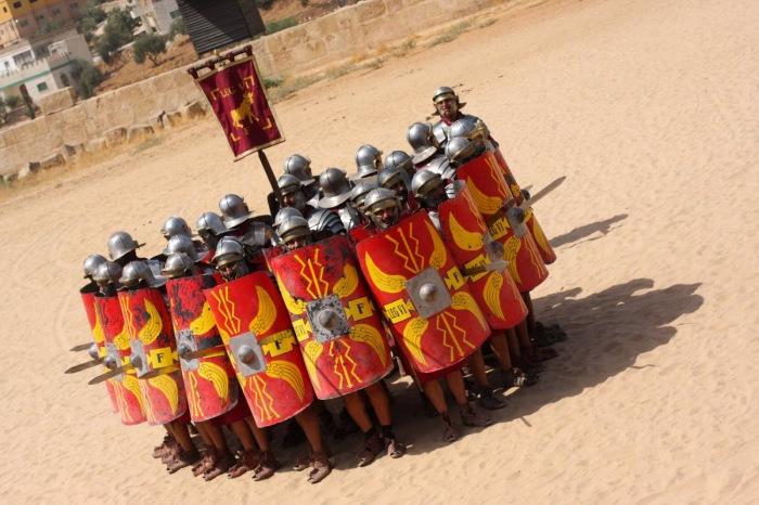 Так как главной защитой римлян являлся щит, мечи с оружием противника они почти не скрещивали / Фото: bivouac.ru