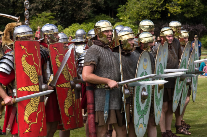 Оружие, как и доспехи римлян – это та сфера, которой всегда уделялось особое внимание / Фото: handf.mirtesen.ru