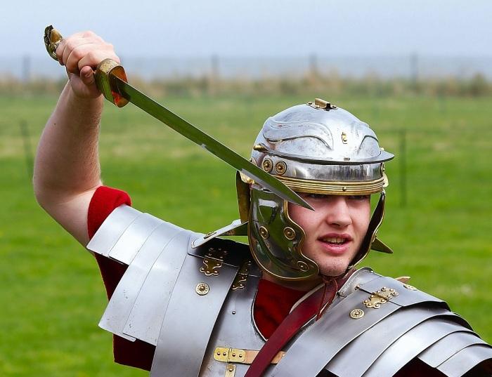 В связи с тем, что меч использовался в качестве колющего оружия, гарда была не нужна / Фото: commons.wikimedia.org