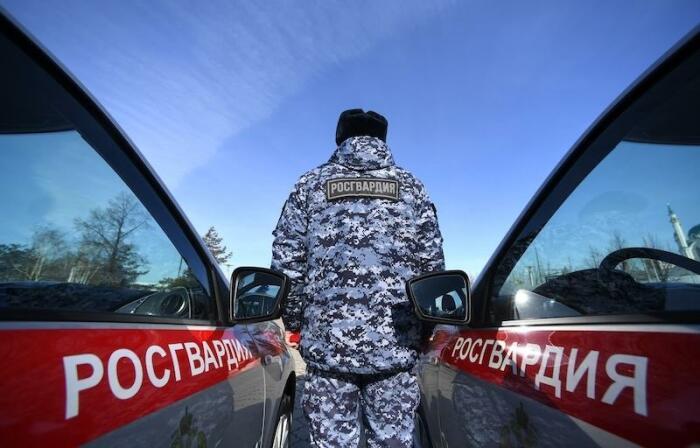 Останавливать и досматривать транспортные средства Росгвардия имеет право в нескольких случаях / Фото: letidor.ru