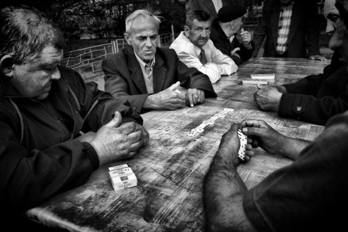 «Домино» – очень популярная у советских граждан настольная игра стоила недорого / Фото: guns.allzip.org