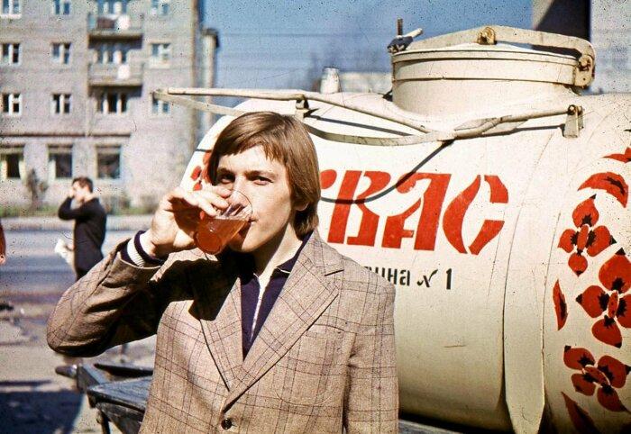 За 36 копеек можно было купить бочковой квас – три литра / Фото: dropi.ru