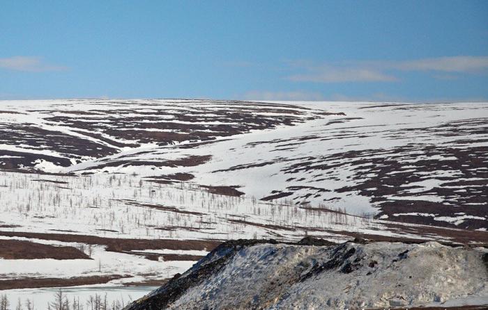 Трудно поверить, что под этой обычной на первый взгляд местностью находится полнейшая пустота / Фото: nordroden.livejournal.com