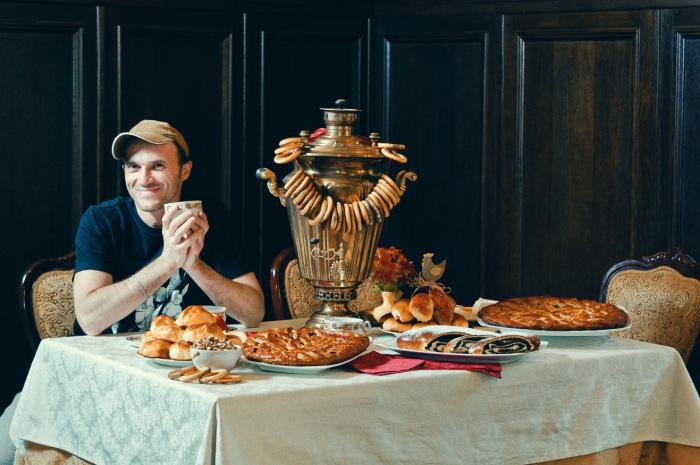 Англичане пьют чая не меньше русских, но не с пирожками, ватрушками и вареньем / Фото: club.foto.ru