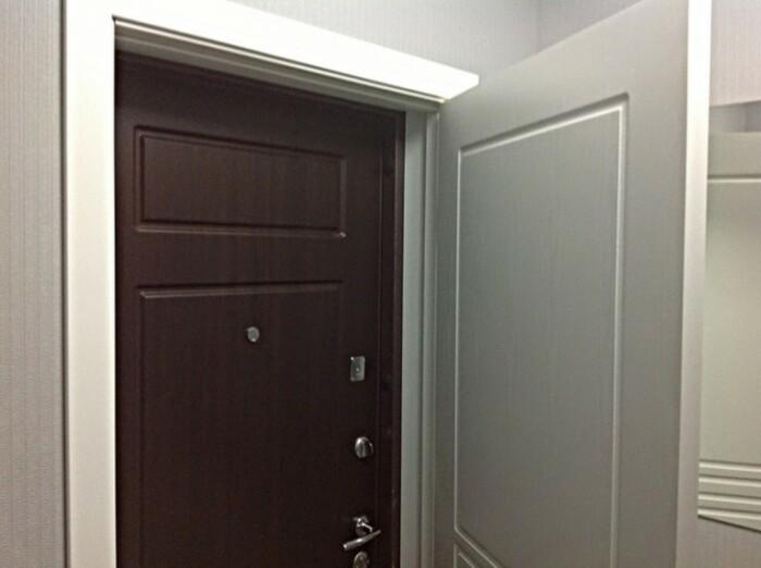 Во многих российских квартирах все еще можно увидеть двойные двери / Фото: dveridoma.net
