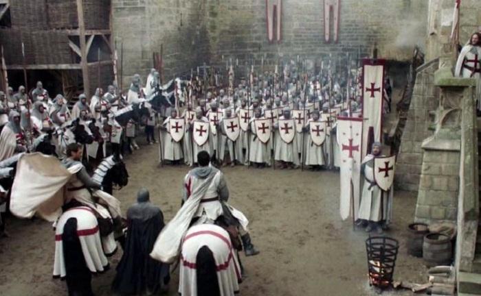 Тамплиеры были обязаны защищать церковь, вдов и сирот / Фото: airdate.cc