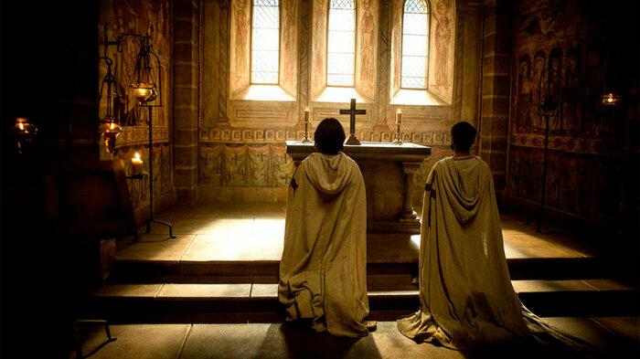 Рыцари-тамплиеры жили достаточно скромно, они принимали обеты послушания, целомудрия и бедности / Фото: Кинопоиск